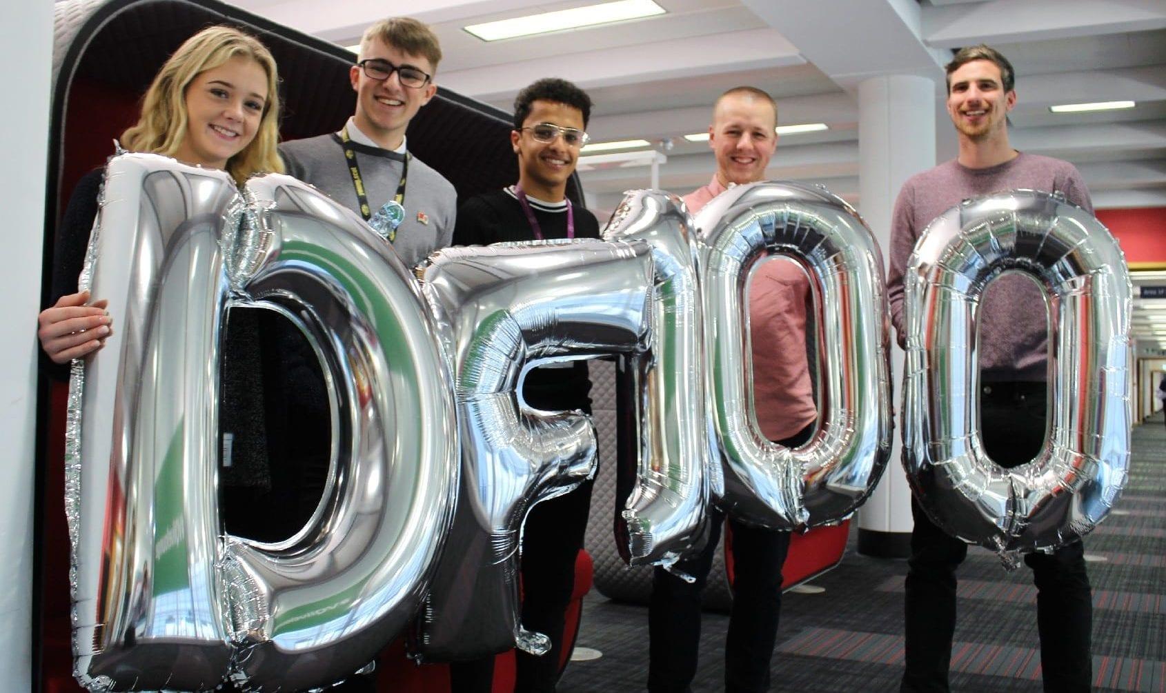 Digital Friends 100 balloons resize