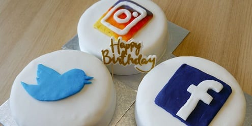 Picture of cakes with Twitter, Instagram and Facebook logos
