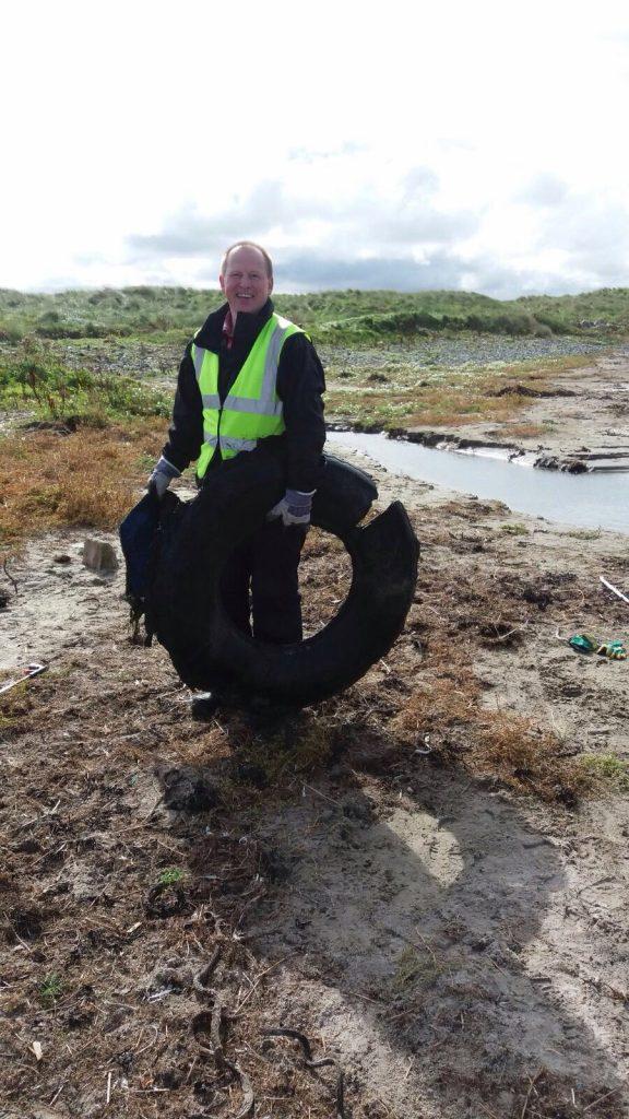 Marine Scotland staff beach cleaning